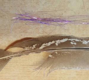 Diese beiden Materialien werden als Flügelscheide eingebunden.